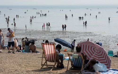 UK weather: Thunderstorm and flood warnings in force as heatwave continues