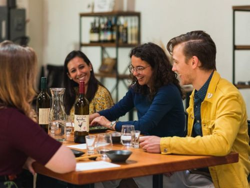 This platform helps you find cool dining experiences like intimate dinners in people's homes in more than 130 countries - here's what it's like to use