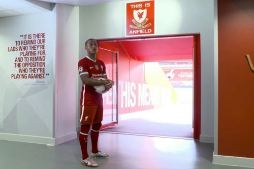 Thiago refuses to touch This Is Anfield sign until he's a winner - after talk with Fernando Torres