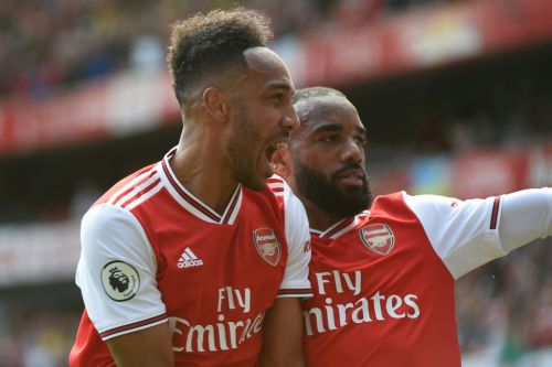 Alexandre Lacazette joins Arsenal fans in urging Pierre-Emerick Aubameyang to sign a new contract