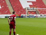 Eight self-isolating Aberdeen players apologise to manager Derek McInnes and the club's fans
