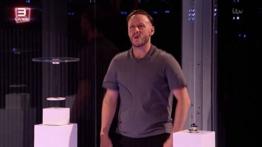 Million Pound Cube: Stacey Dooley spots Kevin Clifton's 'sex faces' as he struggles to complete challenge