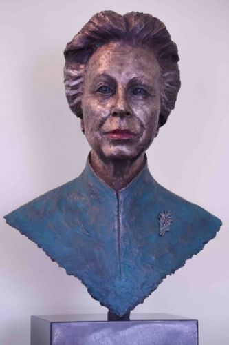 UK Youth gifted a sculpture of patron Princess Anne