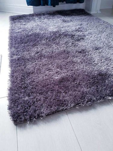 B&M's shimmer rug is on sale for just £1 and people are desperate to bag one