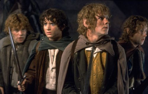 'Lord Of The Rings' cast to reunite this weekend for Josh Gad's 'Reunited Apart' series