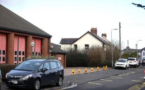 Parking cars in front of Glengormley fire station 'putting lives at risk'
