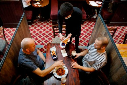 Lockdown 'loophole' that means 30 people can meet in the pub