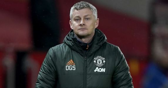 Solskjaer forced to defend misfiring Man Utd star as Cavani stat suggests he should start instead