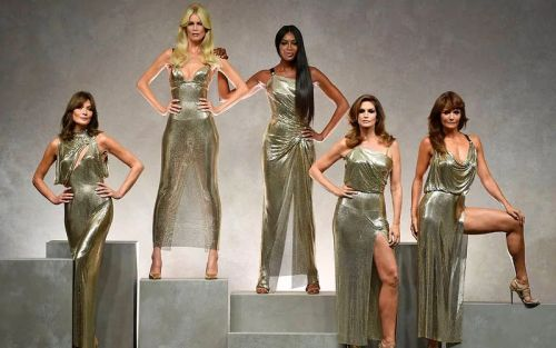 How the Nineties supermodels came to rule the fashion world