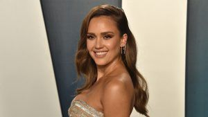 Jessica Alba's 'no make-up' make-up tips for your next Houseparty
