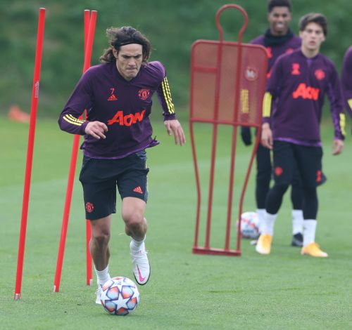 Edinson Cavani could make Manchester United debut against Chelsea, reveals Ole Gunnar Solskjaer