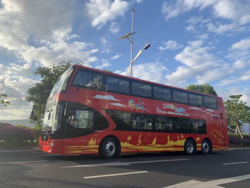 Sanya opens double-decker sightseeing bus route