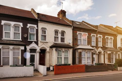 House price 'mini boom' continues with homes now £20,000 higher than a year ago