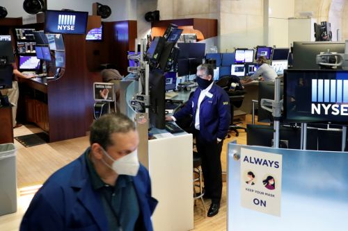 Wall Street traders return to NYSE floor for first time in 2 months after historic coronavirus closure