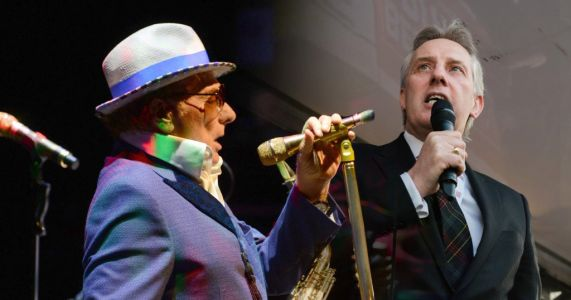 Van Morrison joined on stage by Ian Paisley for chant against Northern Ireland's Health Minister