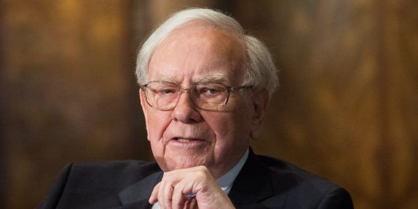 Warren Buffett slashes JPMorgan and Wells Fargo stakes, bets on Barrick Gold