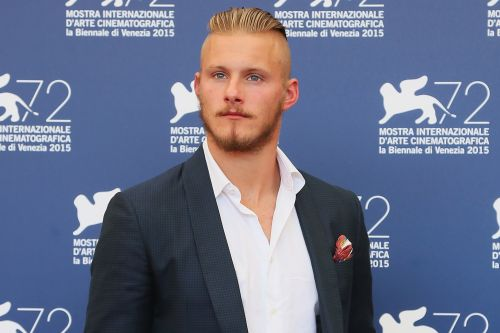 Vikings' Alexander Ludwig poses with Will Smith and Vanessa Hudgens for epic Bad Boys BTS photo