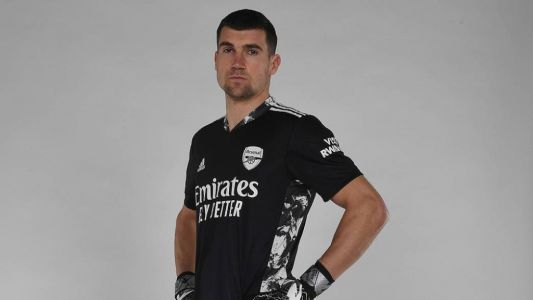 Martin Keown delivers verdict on Arsenal signing Mat Ryan
