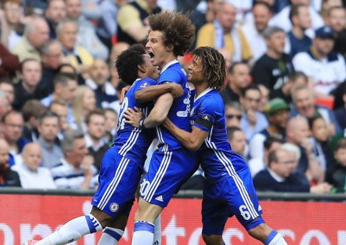 """""""No brainer"""" - Some Chelsea fans give mixed reaction to Nathan Ake rumours"""