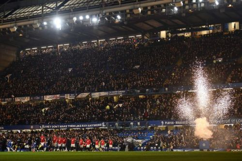 Man Utd fans sing new Manchester City chant at Stamford Bridge after Champions League ban