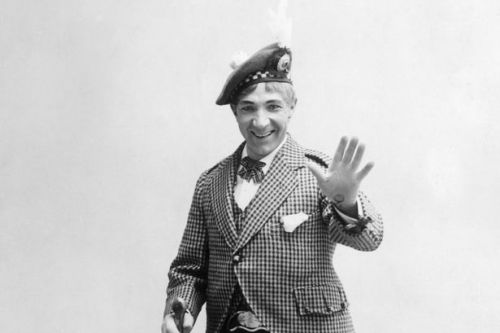 How Harry Lauder went from poverty to becoming the world's first superstar