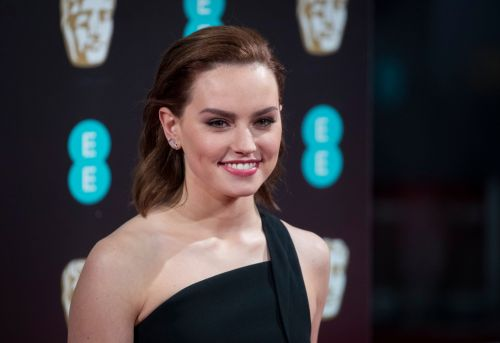 Star Wars' Daisy Ridley reveals she refuses to take selfies with fans