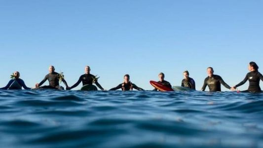 Sagres hosts first 'Paddle Out for Nature'