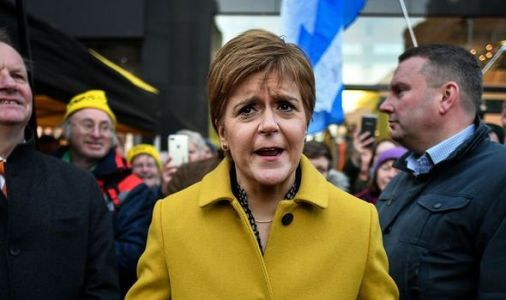 SNP calls for Nicola Sturgeon to RESIGN laid bare: 'Out of her depth!'