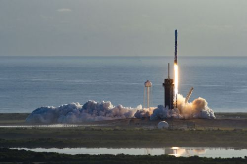 Falcon 9 rocket overcomes engine failure to deploy Starlink satellites