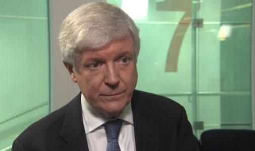 BBC director-general Tony Hall to stand down