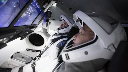 Photos: Astronauts train to ride a Dragon into space