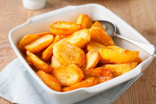 Chef says trick to perfectly crispy roast potatoes is 'seven minute shuffle'