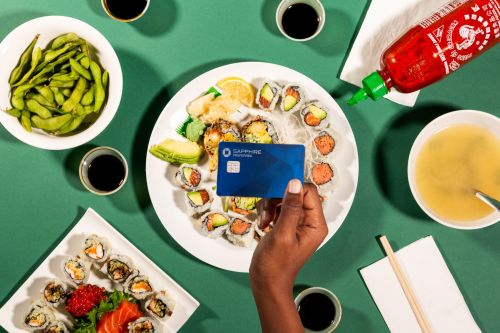 5 credit cards from Amex, Chase, and Capital One that score you bonus rewards and extra perks for food delivery