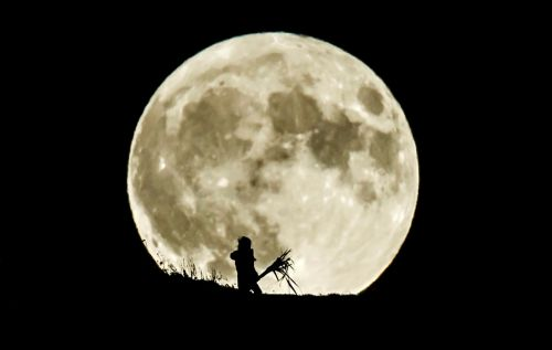 How to see tonight's Full Beaver Moon shining above the UK