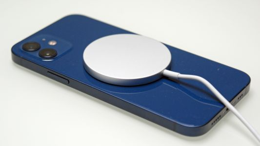 IPhone 12 MagSafe: what the magnetic gadgets are and which you should buy