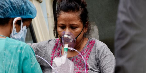 6 Indian hospitals have run out of oxygen as the country faces a record-breaking COVID-19 surge