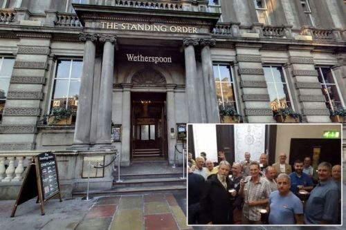 Royal Navy veterans fury after being kicked out of Wetherspoons pub by bouncers for 'outstaying their welcome'