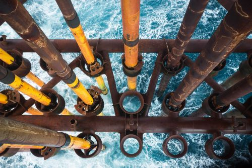 Australia looks to Big Oil in latest plan to curb emissions