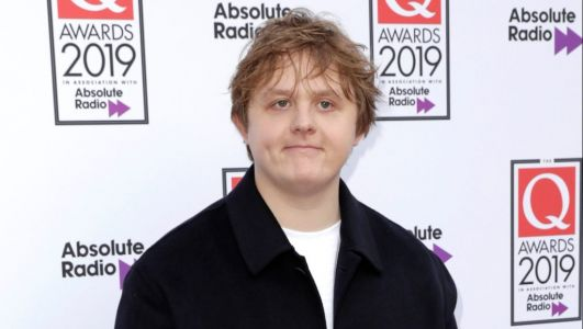 Lewis Capaldi 'swipes finger to the bone' and still hasn't found love on Tinder