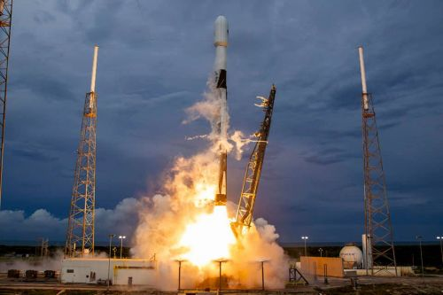 SpaceX wins contract to launch Egyptian communications satellite