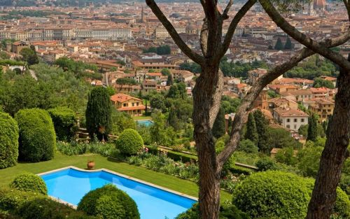10 family-friendly hotels in Florence, including painting lessons and treasure hunts in the Boboli Gardens