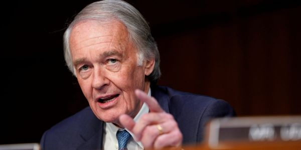Sen. Ed Markey calls Trump 'scum' in pointed tweet on 'fueling racist hate and violence in our country'