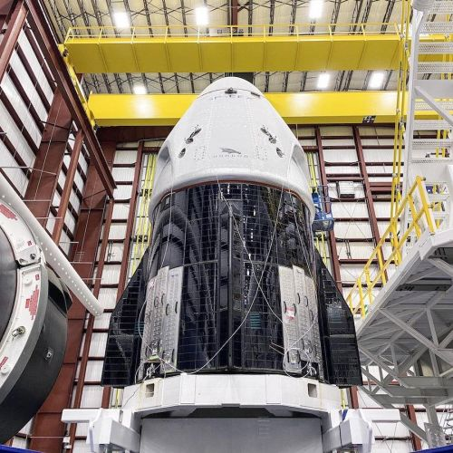 Photos: Crew Dragon mated with Falcon 9 rocket