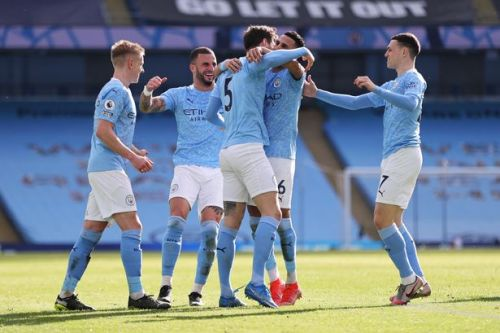 Man City make it 20 wins in a row with victory over spirited West Ham