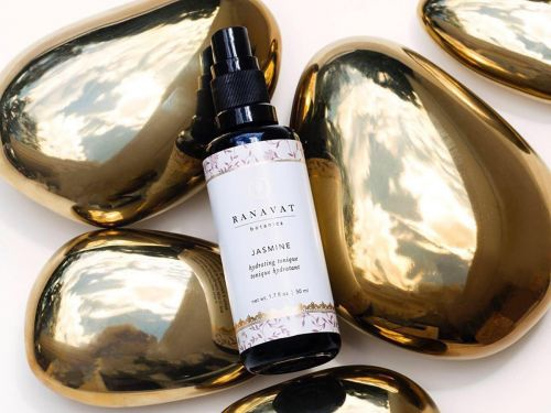 This $40 facial spray replaces 3 steps in my skin-care routine - it reduces redness and softens my sensitive skin