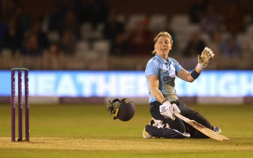 Heather Knight century helps England to edge out New Zealand and take ODI series victory
