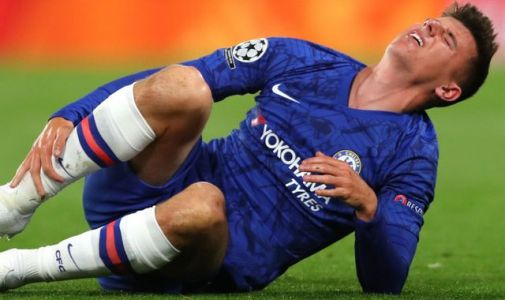 Mason Mount limps off for Chelsea in Champions League debut vs Valencia