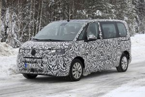 New 2021 Volkswagen Transporter T7 spotted uncamouflaged