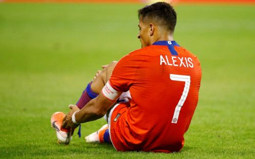 Alexis Sanchez dealt further setback as Manchester United forward is sidelined until new year