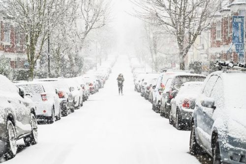 Heavy snow UK weather warning as 4ins falls in 'snowiest spell for 2 years'